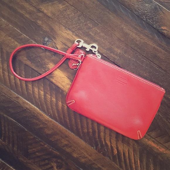 Coach Handbags - Coach wristlet!